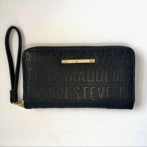 STEVE MADDEN Black Zipper Box Logo Wallet Wristlet